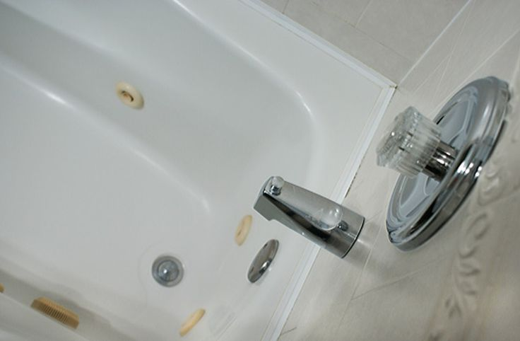 How To Clean Your Whirlpool Bathtub