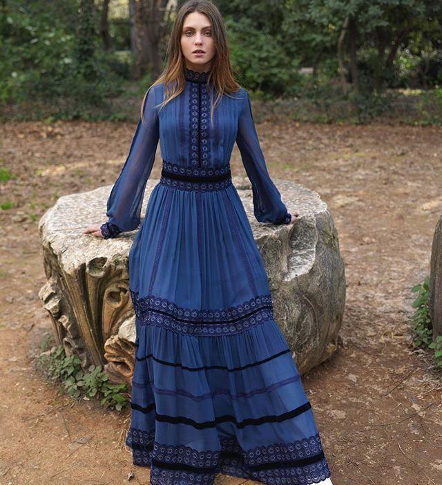 Pre-fall 2018 #rtw Collection.  #costarellos #prefall18 #prefall2018 #pfw #parisfashionweek #fashionmarket #paris #royalblue