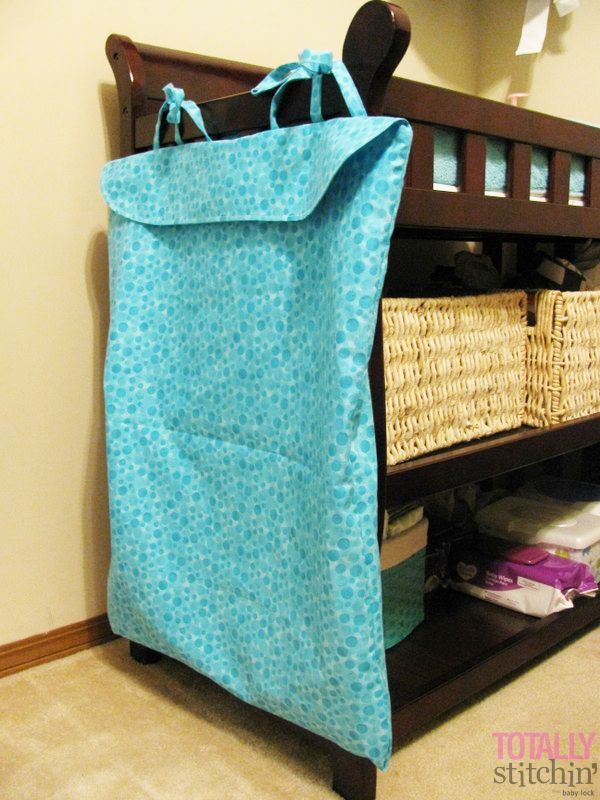 Learn how to make your own cloth diaper wet bag with this tutorial from Stitchin' Woman Stephanie!