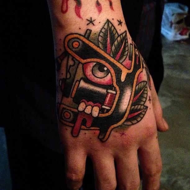 10 tatuajes de maquinas de tatuar 3