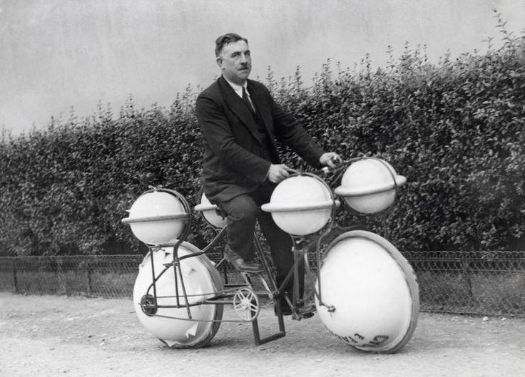 File:Amfibiefiets Amphibious bicycle.jpg