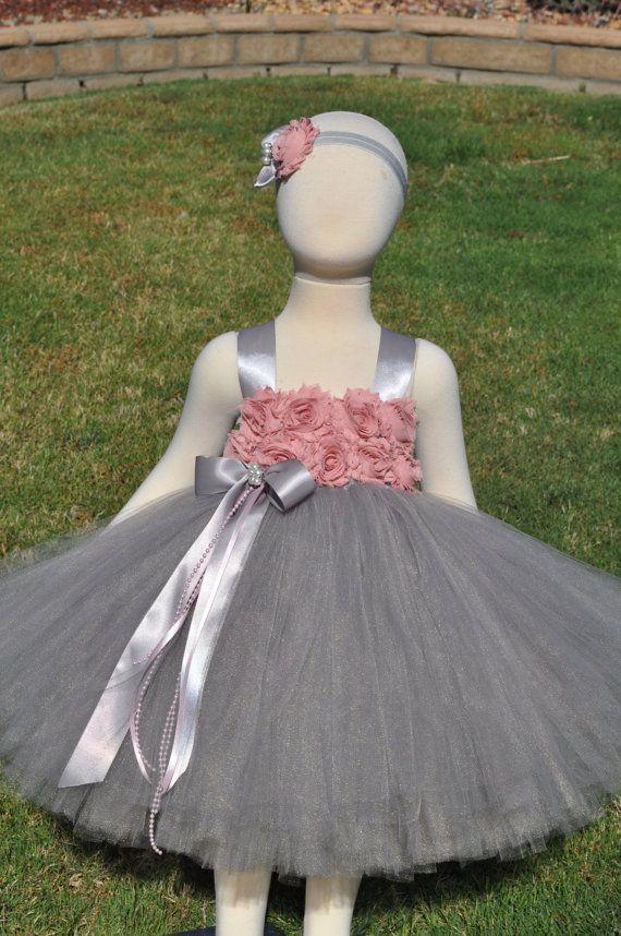 Grijs Blush roze bloemenmeisje jurk grijze door SweetiekinsBoutique