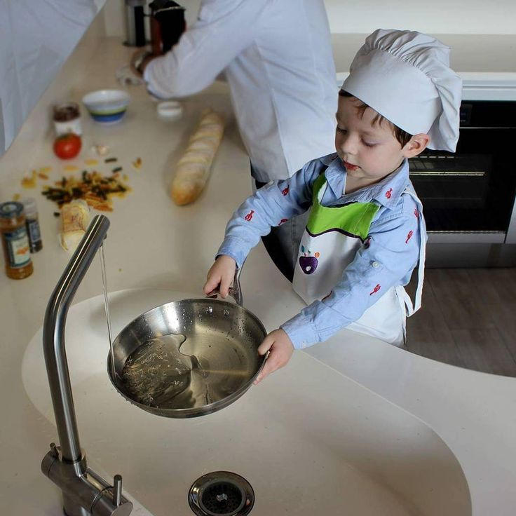 Cocinas para disfrutar en familia al mejor estilo italiano. No se pierda la receta preparada por nuestro pequeño chef en nuestro Fanpage.