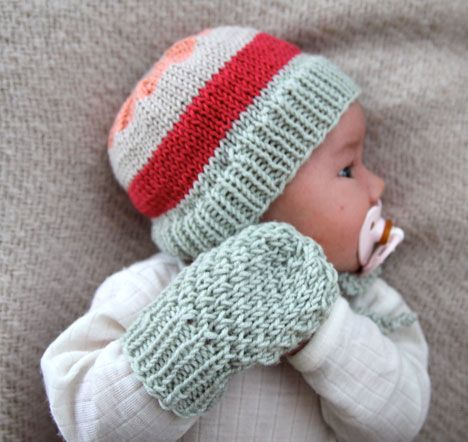 Precious baby hat and mittens set!