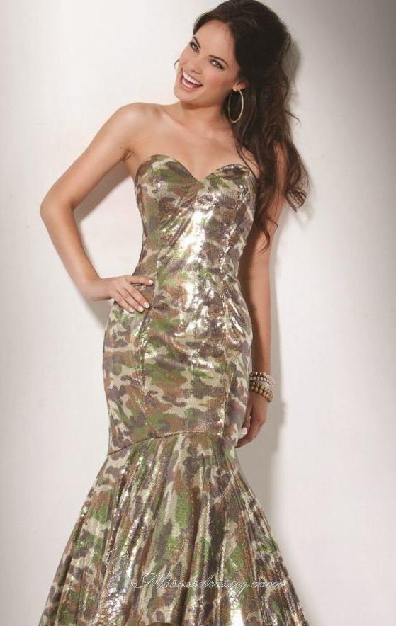 Cool Camo Dress If i was still in highschool this would soooo be my dress hahaaa