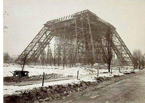 La Tou rEiffel 1888... Paris.