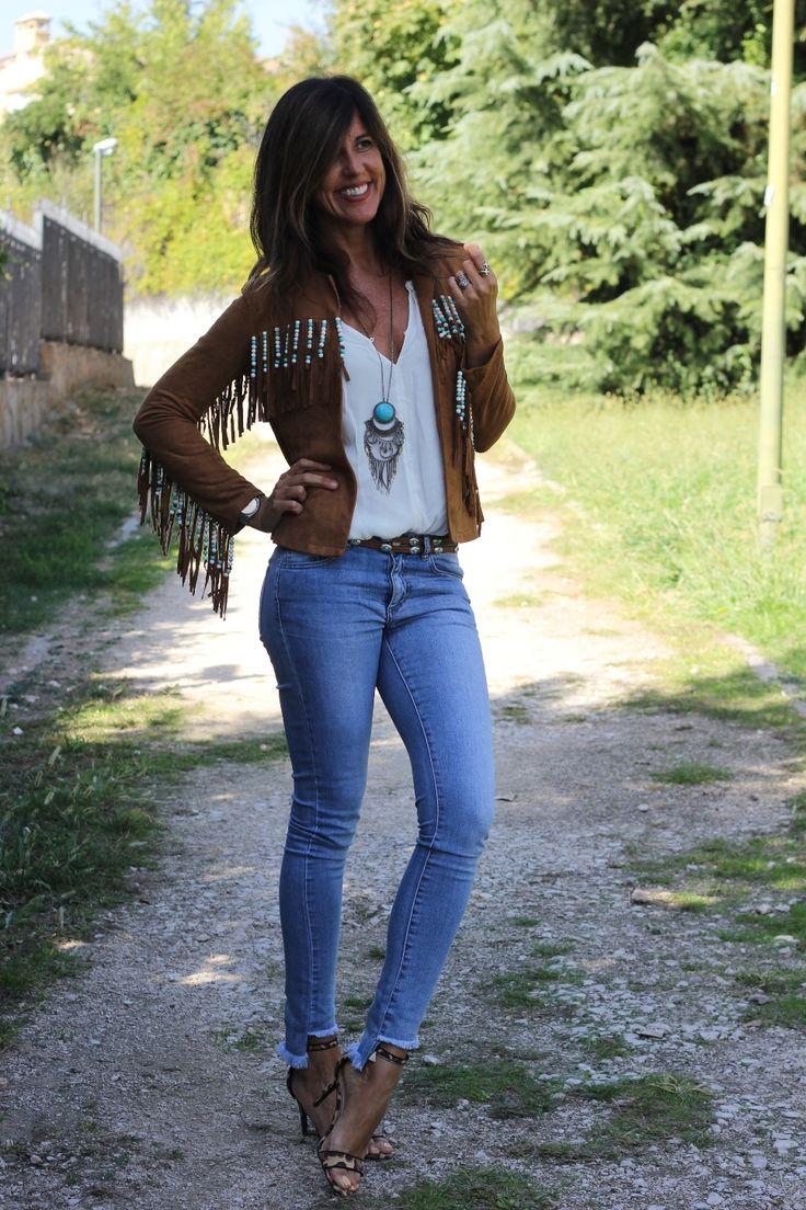 Western girl http://stylelovely.com/mytenida/2016/10/western-girl-in-the-city