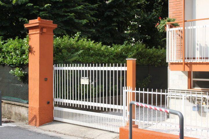 Cancello di Ingresso al Cortile Condominiale