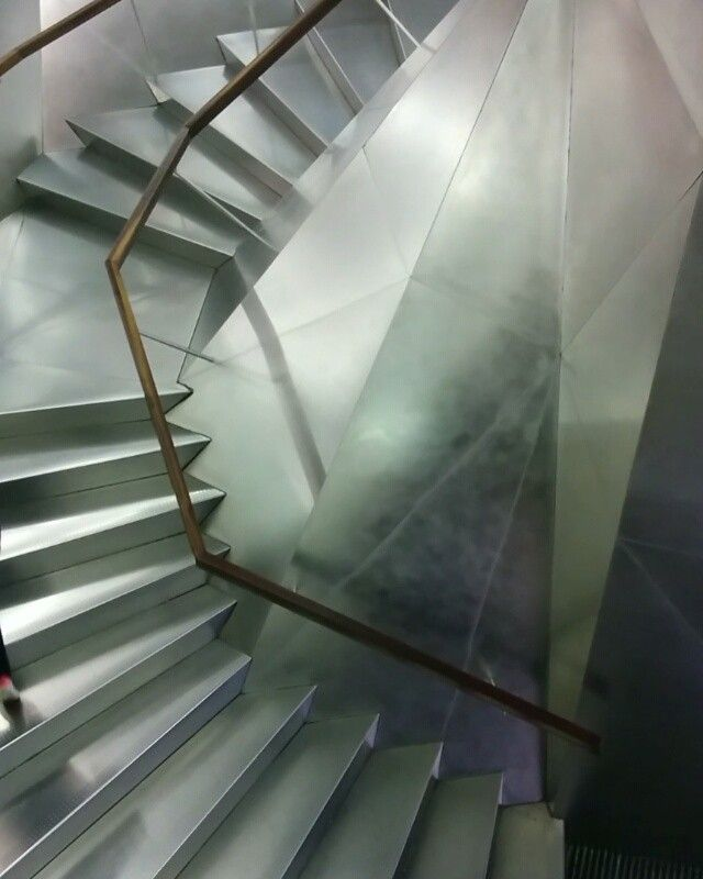 {Video} Digging this #staircase at La Caixa Forum. #architecture #Madrid #interiordesign #interior #stainlesssteel
