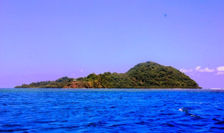 Pulau Tumbak Wisata Bahari Tersembunyi di Sulawesi Utara - Sulawesi Utara