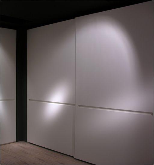 Armarios Lema, puerta corredera Linea.  Muebles de diseño.