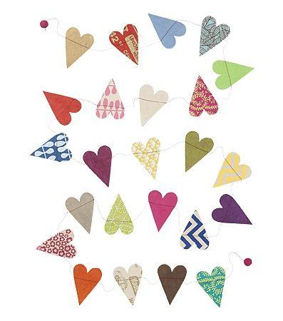 Return to Sender papieren slinger uit Nepal. Kun je ook makkelijk zelf maken, maar als je deze koopt, steun je het goede doel :)