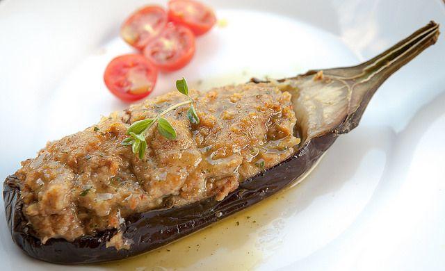 Melanzane ripiene al tonno e profumi mediterranei //// Stuffed eggplant with tuna and Mediterranean scents