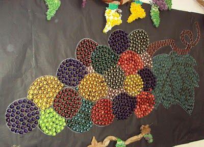 Con cápsulas de Nespresso decora la escuela con un precioso mural de uvas                                                                                                                                                                                 Más