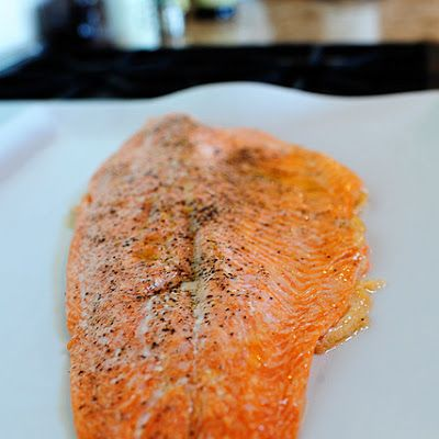 Pioneer Woman Salmon @keyingredient - Drizzle salmon filet with olive oil Sprinkle with salt and pepper Put it in a COLD oven Then turn on the heat to 400 degrees Twenty-five minutes later, the salmon is absolutely perfect. Tender, moist, flaky. A no-fail method!