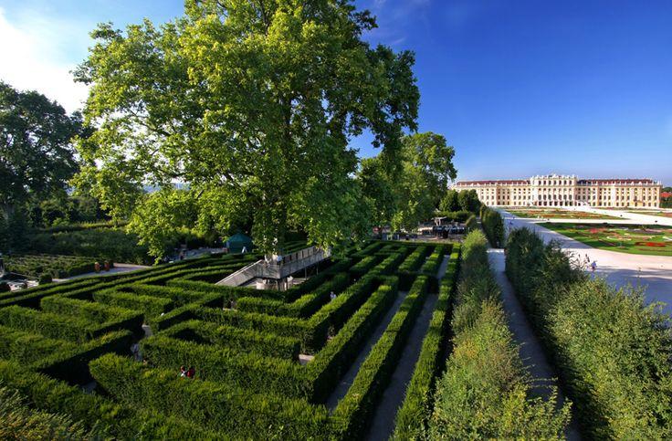 Schonbrunn Castle - Vienna