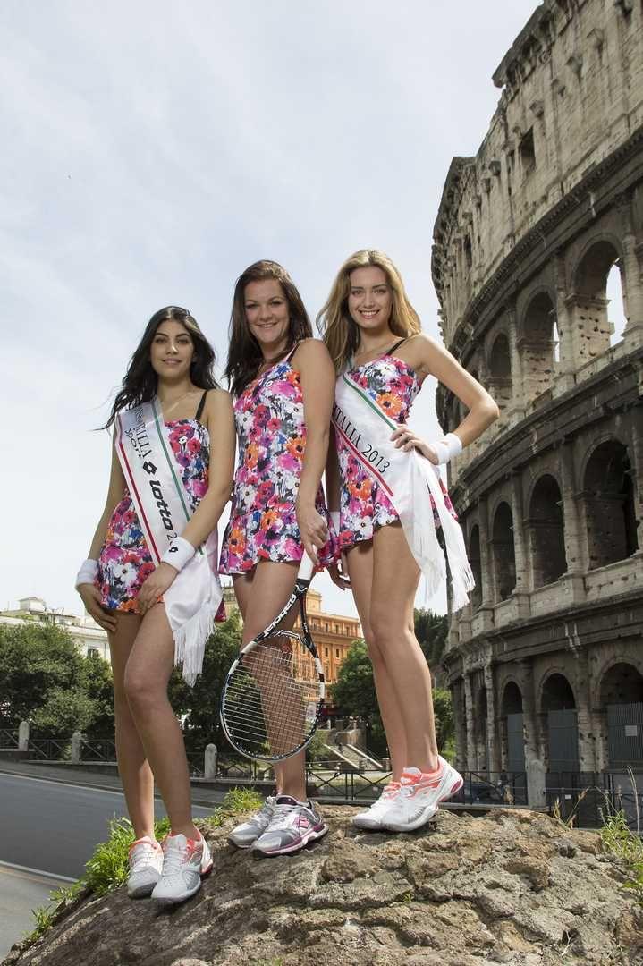 Giulia Arena, Miss Italia 2013 e Maria Selena Filippo, Miss Lotto Sport 2013, assieme alla tennista Agnieszka Radwanska