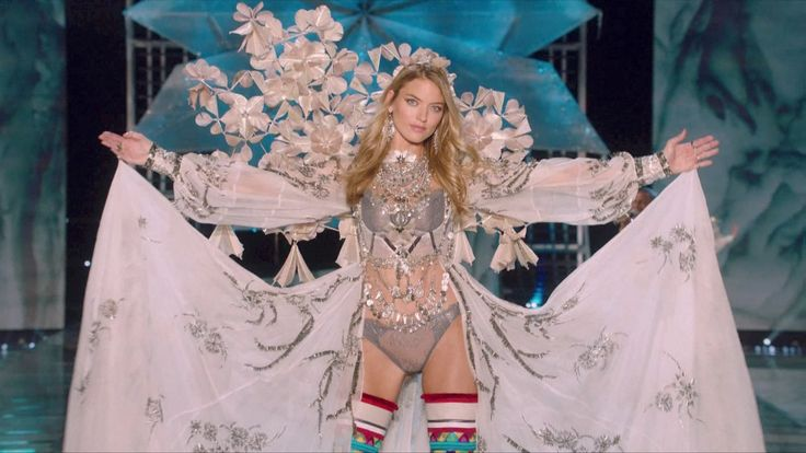 The annual Victoria's Secret Fashion Show made its Asia debut in Shanghai Monday night. The epic show was the most diverse in its 22-year history with models from across the globe, including a record number from China, hitting the runway. - CGTN