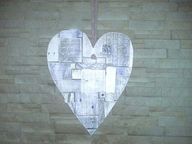 Pallet off-cut heart