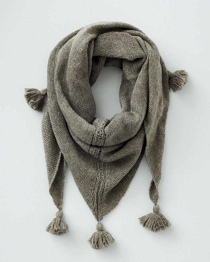poetryfashion: Fall Scarves, Pom Poms, Fashion, Yak Tassels, Clothing, Wool Yak, Tassels Scarfs, Fall Accessories, Winter Scarves