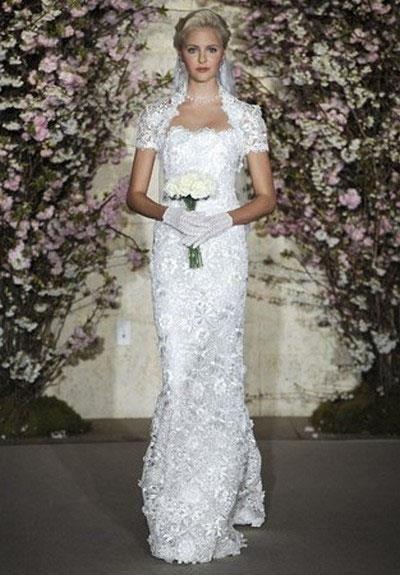 Прически под кружевное свадебное платье