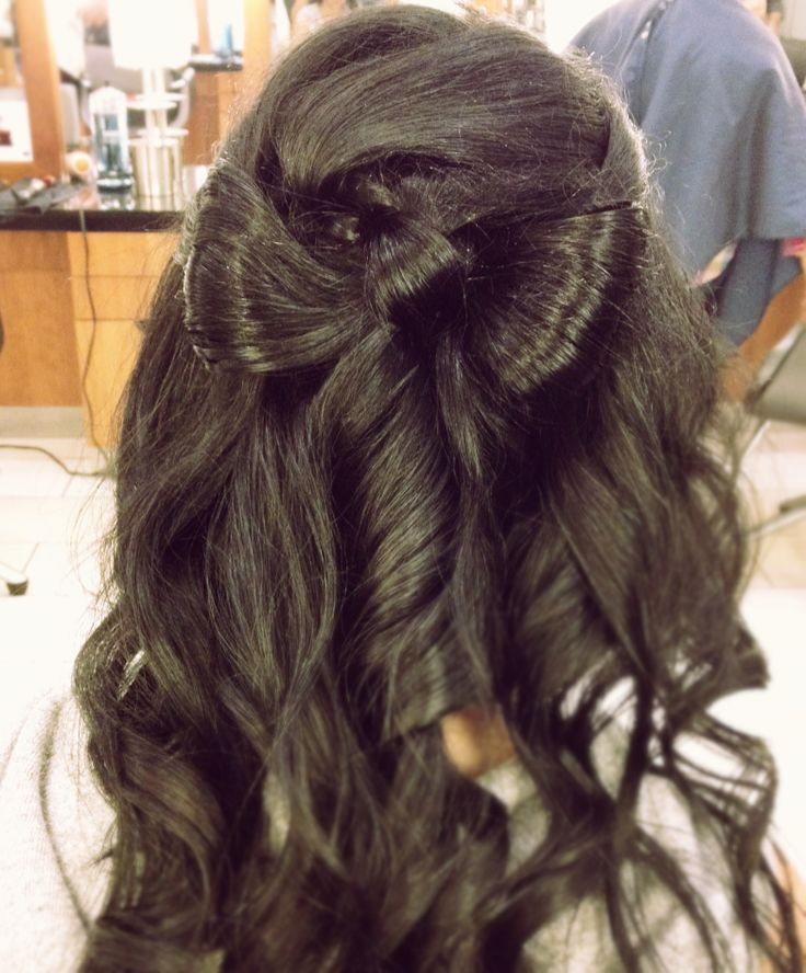 Bridal Hair Bow Style, with soft curls.  #hair #hairstyle #bridalhair #wedding  www.donato.ca
