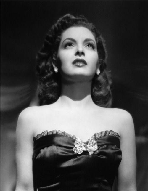 Elsa Aguirre in a production still from the Mexican film Medianoche / Midnight  (Tito Davison, 1949)  Photo by Eduardo Guerrero.