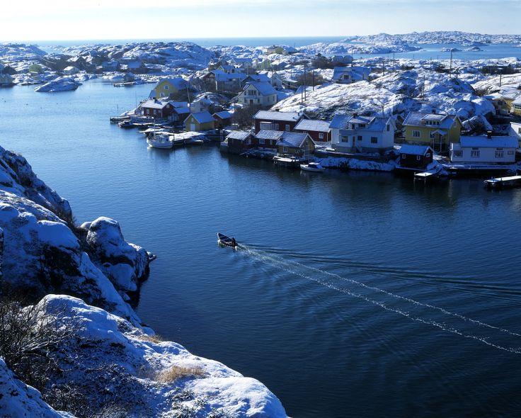 Winter in the #Gothenburg archipelago. │ Photo: Kjell Holmner