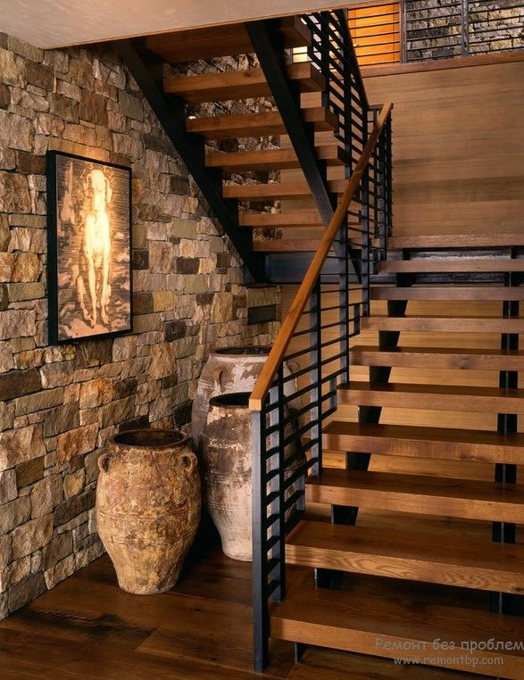 Пространства под лестницей: идеи дизайна для использования места на фото