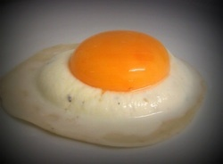 Raviolo with ricotta cheese and egg yolk