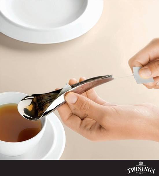 ¡El sabor de Twinings es tan especial que no nos queremos perder ni una gota! ¡Disfruta de la hora del té con esta original cuchara!  La diseñadora es Karin Santorso y si les gustó el diseño, aquí el link para conseguirlo: http://www.alessi.com/en/2/5277/tea-and-coffee-accessories-breakfast/as01-teo-spoon-for-tea-bag
