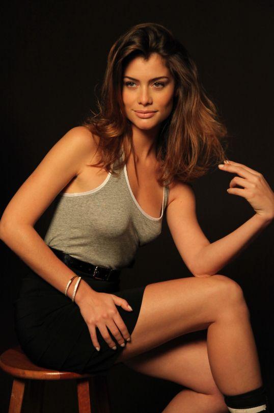 Aline Moraes - Google Search
