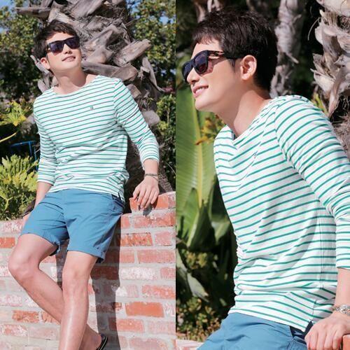 Park Shi Hoo (박시후 / Park Si Hoo) in blue stripes tee. Fresh casual look.  cr : baidu