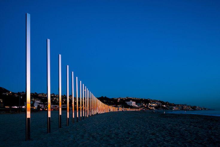 400 mètres de piliers miroirs pour refléter les couleurs côtières