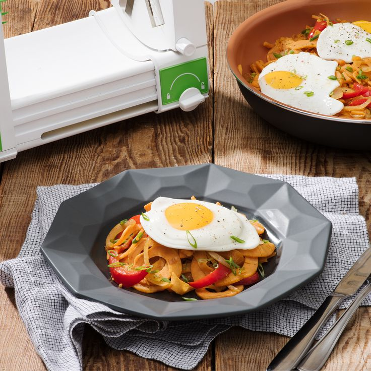 Sweet Potato Hash with Fried Eggs - Bella Housewares  Tips:  Add crumbled bacon or diced ham to hash if desired. Alternatively, top with poached eggs.  NUTRITION FACTS Per 1/4 recipe Calories 320 Fat 14g Cholesterol 185mg Sodium 500mg Carbohydrate 38g Fiber 6g Sugars 14g Protein 10g Nutrition Comparisons:  63% less fat than Perkin's Family Restaurant Everything Smasher 44% fewer calories than Perkin's family Restaurant Everything Smasher