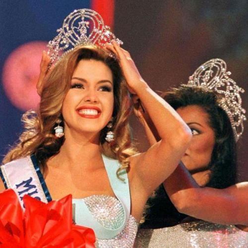 Алисия Мачадо, Венесуэла. «Мисс Вселенная — 1996». 19 лет, рост 173 см.