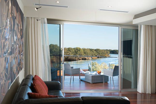 The Frames Luxury Accommodation, a Renmark Villa | Stayz