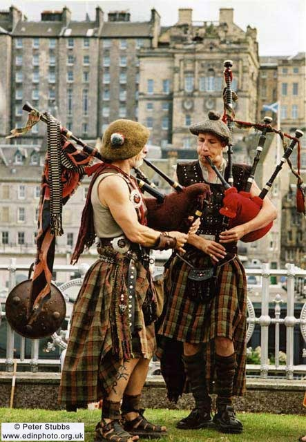 Bagpipers and Edinburgh Old Town