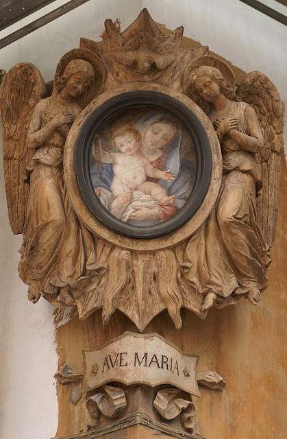 Rom, Via dell' Umiltà, Madonna by HEN-Magonza, via Flickr
