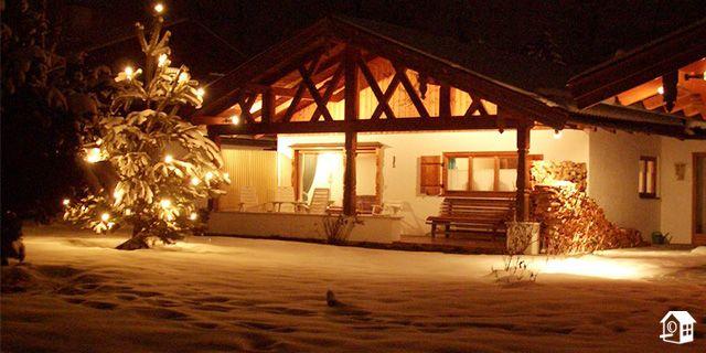 Dieses Ferienhaus liegt direkt am Tegernsee.