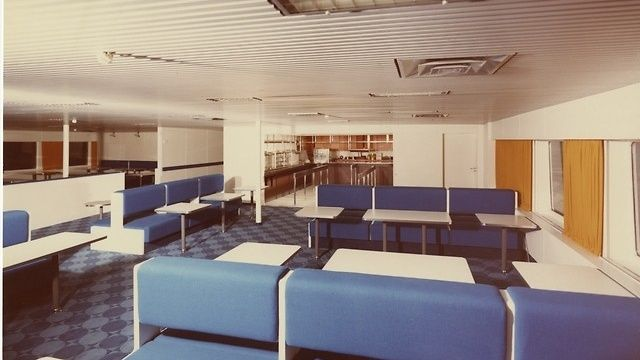 Ilmatar-laivan jylhän sininenkahvila, 1964 Copyright: Silja Line.