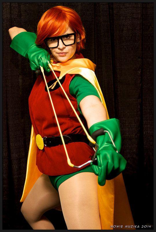 2014 San Diego Comic-Con Cosplay - THE DARK KNIGHT RETURNS - ROBIN