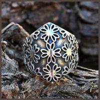 Floral pattern wide ring - Fia Fourie Juwele