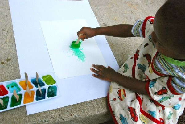 preschool ice painting; great summer activity for outdoors.: Ice Paintings, Class Ideas, Ice Cubes, Cubes Paintings, Art Coloring Paintings, Summer Activities, Preschool Ice, Great Ideas, Summer Ideas