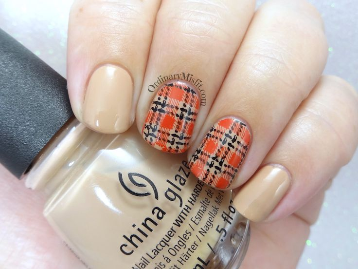 52 week nail art challenge - Week 10: Plaid