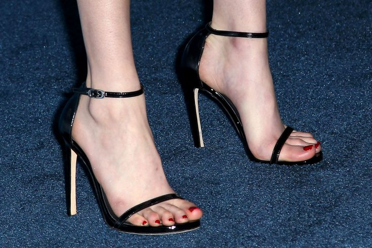 Pin by R A on Feet turn me on | Emma roberts, Shoes heels ...