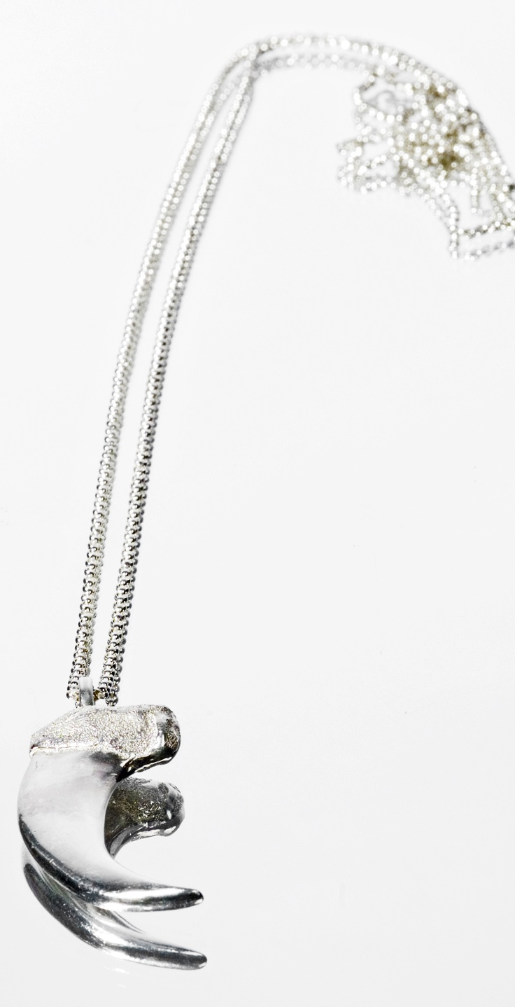 Klo- My silver bear claw necklace