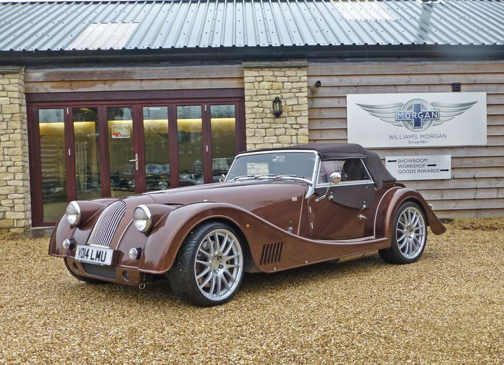 Morgan Plus 8. Looks good in this colour too