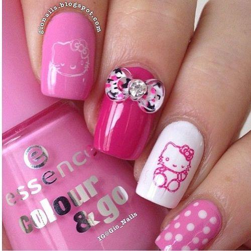 Hello Kitty nails