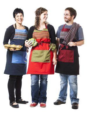Voici nos pratiques tabliers. Ils sont ajustables, unisexes et facilement lavables. Offert en plusieurs coloris au www.rienneseperd.com